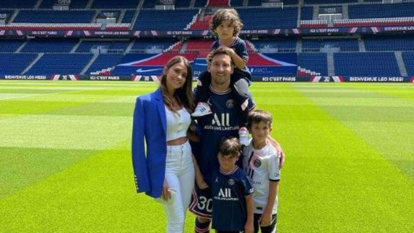 The reasons behind Messi saying yes to Paris Saint Germain