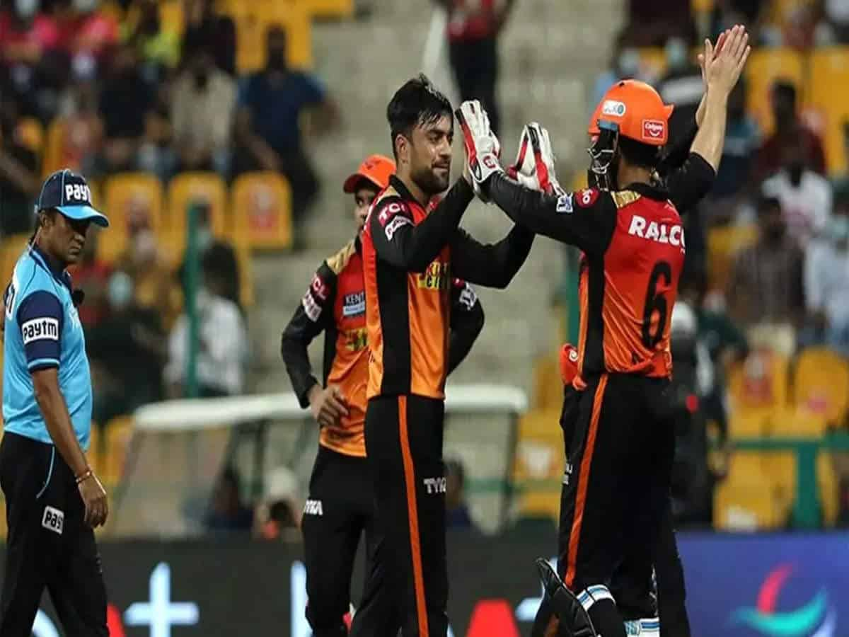 Hyderabad snatches last ball victory from RCB: Bangalore stays at number 3
